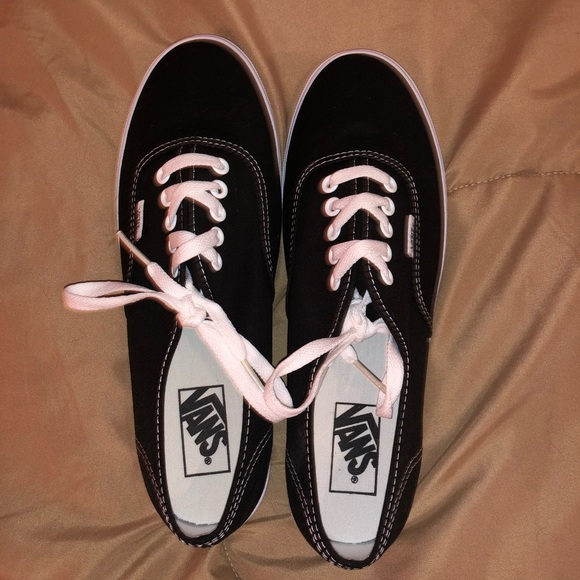 7aca05b1833 Vans authentic pro Black and white. Size 10 women